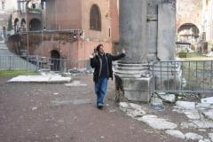 DICORINTO AL TEATRO DI MARCELLO, ROMA